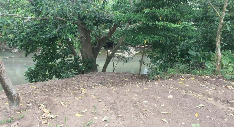 TERRENO CON FRENTE DE 200 METROS HACIA EL RIO
